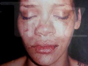 People_Rihanna_LA118_374250620022009[1]